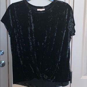 Black crushed velvet top